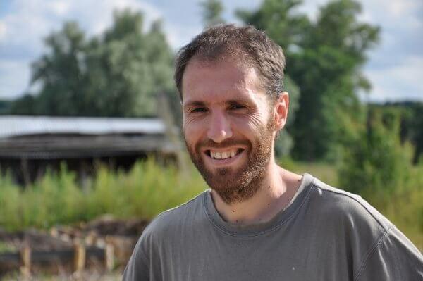 Richard Wallner sur sa ferme expérimentale Au petit colibri