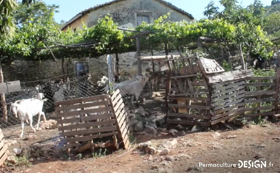 habitat-troglodyte-jardin-insolite-aride-permaculture-design_04