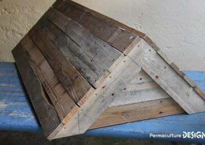fabrication-ruche-horizontale-palette-recyclage-recuperation-apiculture-naturelle-formation-permaculture-design_09