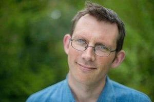 Portrait de Rob Hopkins auteur du livre Manuel de transition paru aux Éditions Écosociété.