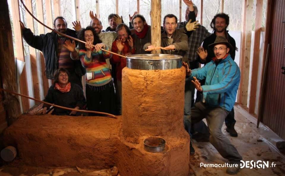 Le rocket stove est un poêle de masse super efficace pour un chauffage écologique et économique