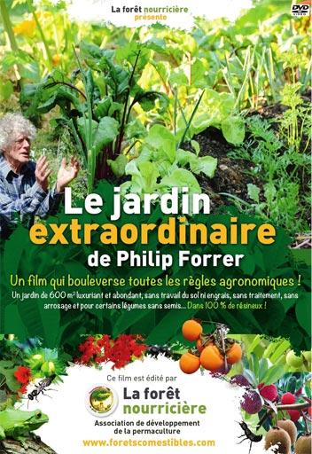 La butte de culture Philip Forrer est une technique de permaculture atypique utilisant des troncs de résineux, du bois broyé et des aiguilles de pin.